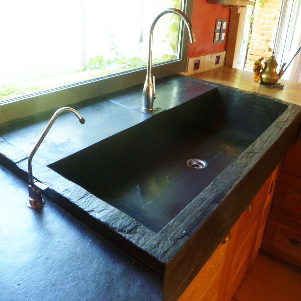 Ardoise : vasque massive, bloc d\'ardoise brute taillée ...